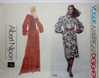 1970's Albert Nipon Pin-tucked Designer Dress Pattern from Vogue American Designer. Size 14