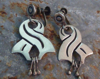TWISTED RIBBON Mexican sterling Taxco vintage earrings