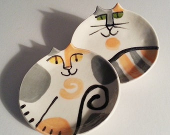 Calico cat plate: kitty feeding dish white orange gray Tortishell torti ceramic HM to Order pottery