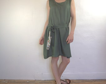 dress short crepe viscose, green and liberty or satin, sleeveless, fluid