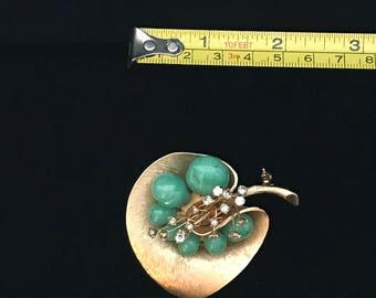 Jade Stone Leaf Pin