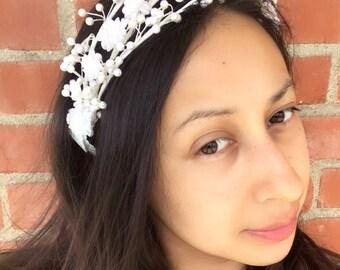 Floral VINTAGE headband. Wedding headband. Easter headband. Flower girl headband. Vintage headband.