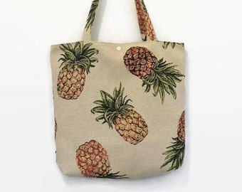 tote bag damask patterned background and beige woven large pineapple