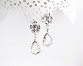 Silver flower earrings Bridal flower earrings Floral earrings Dangle flower earrings Dangle earrings Flower earrings Crystal earrings 782