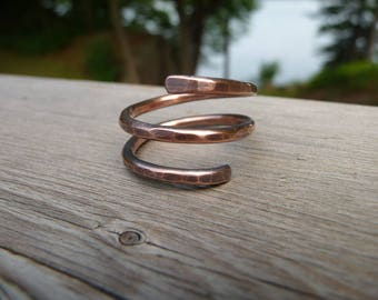 copper wrap ring, minimalist ring, modern, simple ring, solid copper ring, simple metal rings, hammered ring, copper jewelry, artisan rings