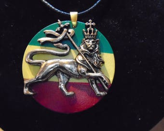 "Brass Lion of Judah 36"" Rastafarian necklace 39 mm brass lion Rasta colour disc, new with tag, 10 yr guarantee"