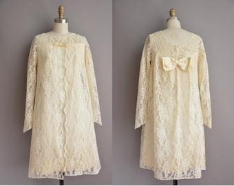 50s ivory baby doll lace vintage wedding dress / vintage 1960s wedding dress