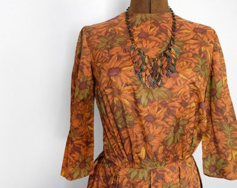 1960s Fall Blooms Sheath Dress in Autumnal Florals Size Small