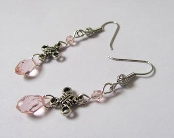boucles d'oreilles noeud celtique et perles en cristal de bohème rose