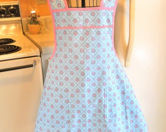 1940's Style Apron in Blue with Pink Roses in XXL