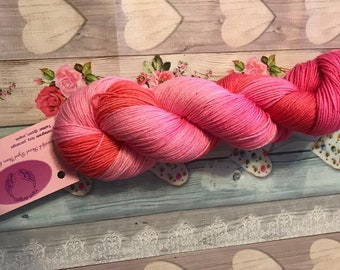 Apple Blossom, sock yarn, 4ply yarn, superwash merino, nylon, hand dyed yarn