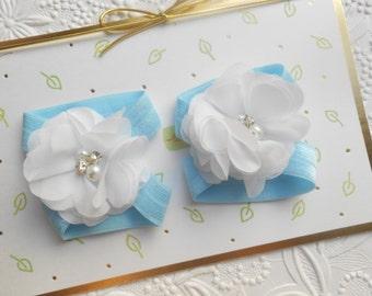 White flower Baby Barefoot Sandals ,Chiffon Flowers with blue Elastic , Toddler Sandals ,Newborn Sandals ,Baby Flower Sandals