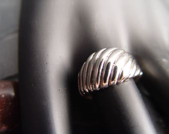 STERLING Wave Ring  Size 7
