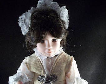 "1989 Series Robin Woods **Lorna Doone** Classic Childhood Champions 14"" Vinyl Doll Made in USA"