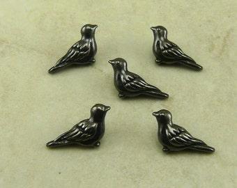 5 TierraCast Paloma Robbin Sparrow Bird Beads > Black Bird Crow Raven - Black Ox Plated LEAD FREE pewter - I ship Internationally 5617