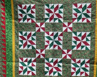 Christmas quilt, lap size quilt, lap throw, holiday quilt, green and red quilt