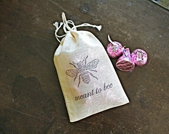 Cloth wedding favor bags, set of 50 drawstring cotton bags, Meant to Bee, honey bee design, honey favor, bridal shower, party favor bags