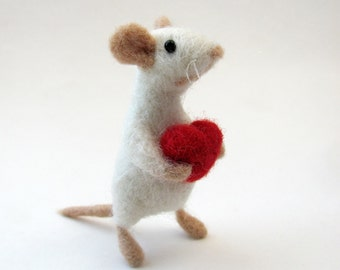 Needle felted mouse with red heart