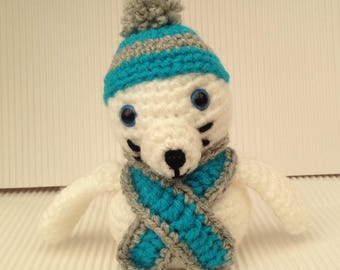 White Seal with hat and scarf - Amigurumi Crochet