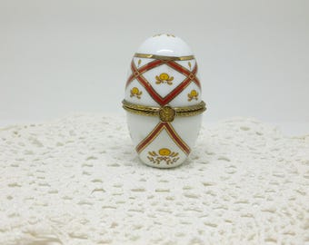 Vintage Del Prado Porcelain Egg Trinket Box or Pill Box Hand Finished epn 17, Decorative Porcelain Egg, Del Prado Porcelain, Mother's Day