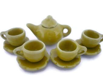Set of 9 Tiny Coffee Cup with Scalloped Plates and Teapot : YELLOW PEPPER