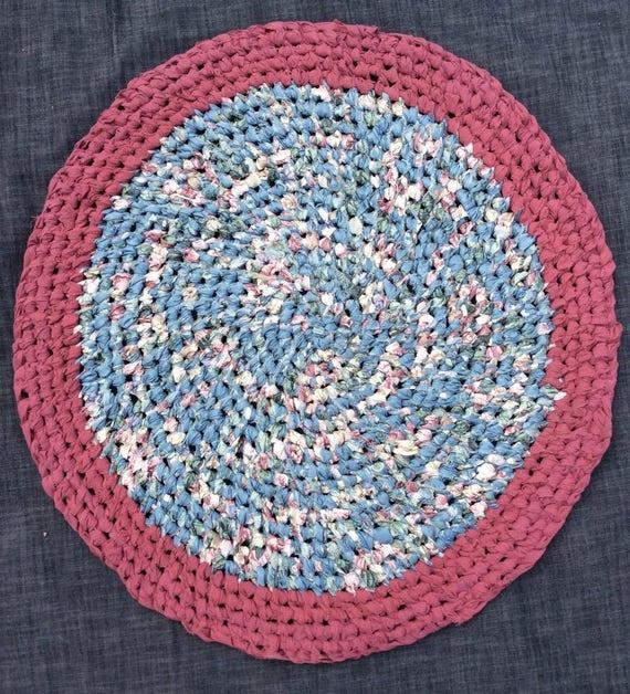 Washable Circular Rugs: Handmade Blue Cranberry Round Rag Rug. Machine Washable