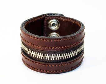Brown Zipper Bracelet. Handmade Bracelet. Brown Cuff. Zipper Cuff. Brown Zipper.Handmade Accessories.