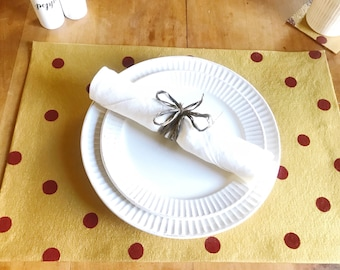 Polka Dot Placemats, Set of 4, Christmas Decor, Table Setting