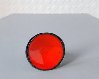 round enamel ring sterling silver oxidized silver cocktail ring dark orange color adjustable ring mid-century inspired torchfired vitreous