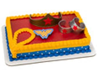 Wonder Woman 4 piece Cake Kit Cake Toppers Decorations Party
