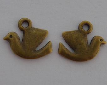 15 charm birds size 15x13mm antique brass