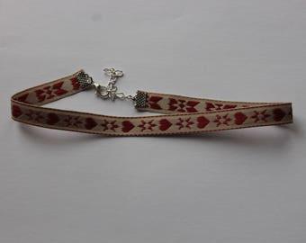 collar choker the Burgundy pattern fabric
