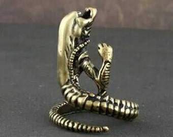 Bronze adjustable Alien xenomorph face hugger ring