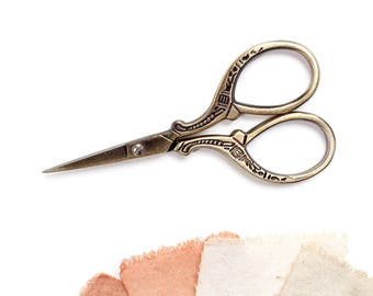 Small antiqued bronze scissors, Embroidery, Sewing scissors