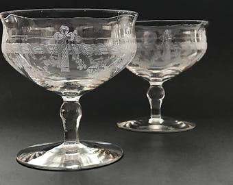 Etched Crystal Coupe Champagne Glasses Short Stem Champagne Coupes Stemmed Sherbets