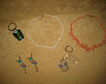 Tropical Kitsch Souvenir Las Vegas Earrings Necklace Vintage