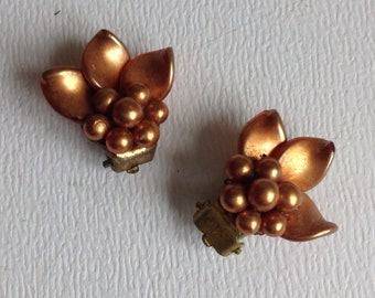 Vintage  Flower Cluster Earrings - Clip on Fitting - Unpierced Ears - Gifts for Her