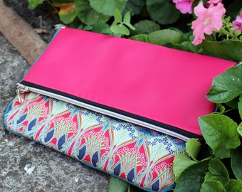 Red clutch bag - pink