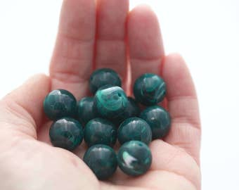 Vintage Lucite Beads Deep Green White Round Marbled 14mm (12)