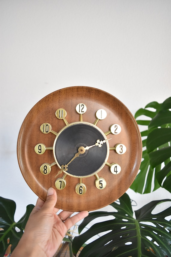 spartus mid century gold wall hanging clock battery operated clock