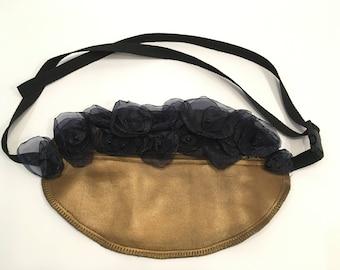 fanny pack, bum bag, hip bag, waist pouch, belt bag