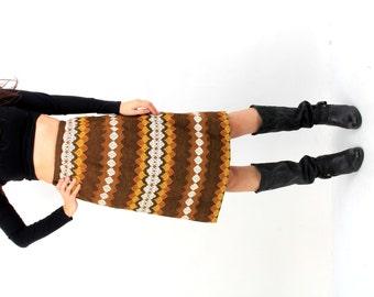 Vintage Tapestry Skirt / Blanket Skirt / Boho Skirt / Embroidered Skirt / Granny Skirt / Ornamented Skirt / Midi Skirt / Size S / XS