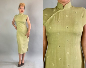 Vintage 1950s Dress | 50s Sage Green Linen Cap Sleeve Traditional Chinese Cheongsam QiPao with Embroidered Vented Emblems | Small