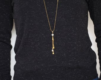 Moon and shooting stars - White and golden long necklace