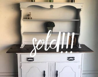 Country Style Hutch/ Buffet/ Cabinet/ Credenza/ Farmhouse Style