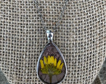 Yellow bloom necklace