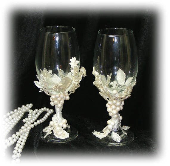 BRIDE & GROOM CHAMPAGNE Glasses