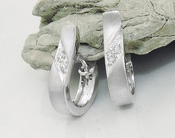 Noble white gold hoops with zirconia, 9Kt WG