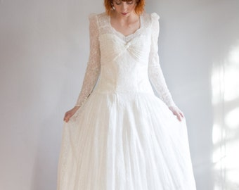 1930's Lace long sleeve wedding gown