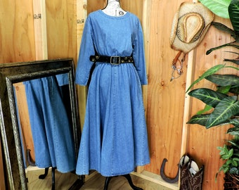 Long denim dress / Denim maxi dress / size M / loose fit jean dress / western boho long jean dress / SunBelt Denim USA / GravelStreetVintage